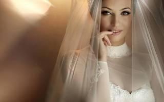 А зачем вообще нужны свадебное платье и фата?