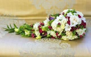 «Для чего используется каскадный свадебный букет?[