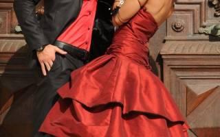 «Красные свадебные платья на тематическую свадьбу[