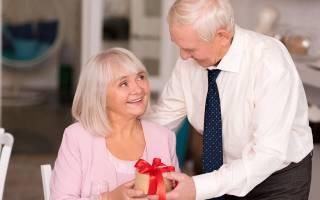 «Сапфировая свадьба: что дарят на 45 лет совместной жизни[
