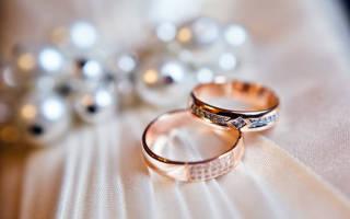 «Обручальное кольцо на пальце в сновидении – толкование снов[